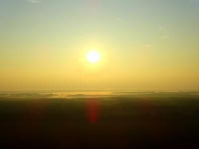 gyönyörű naplemente hőlégballonból